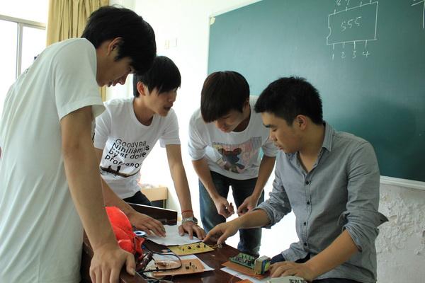 信息工程学院开展电子技能大赛